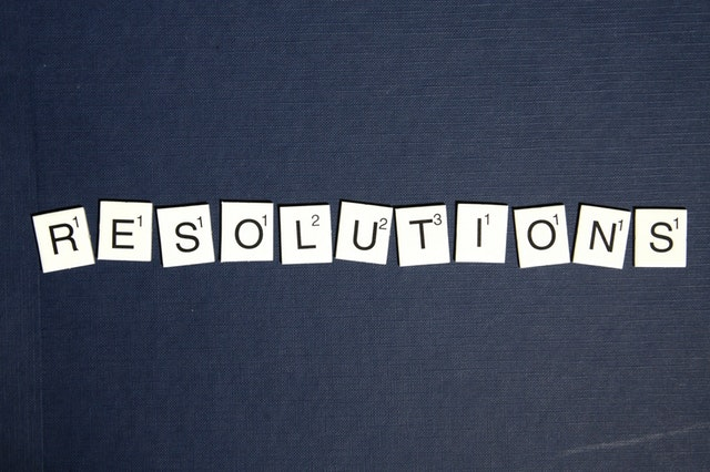 Tiles spelling the word resolutions